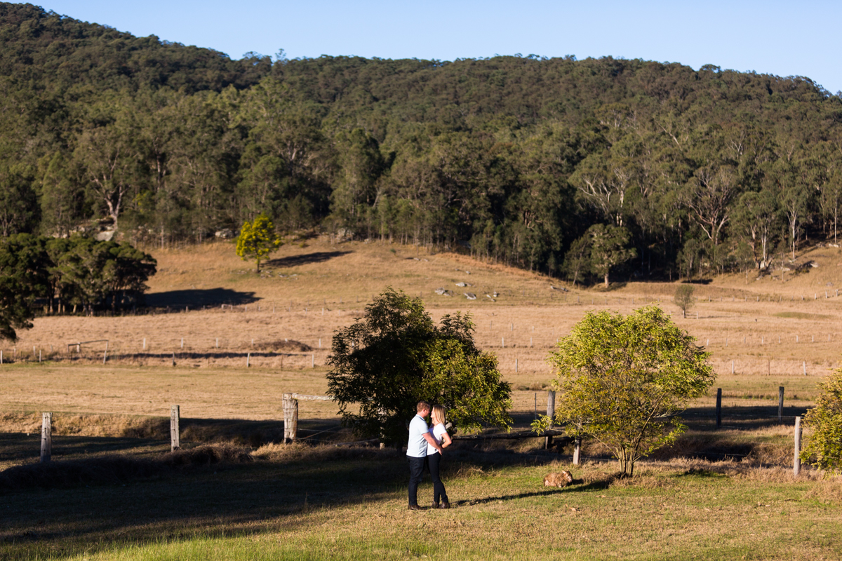 005_Lovely engaged couple in stunning landscape with hunter valley wedding photographer in wollombi