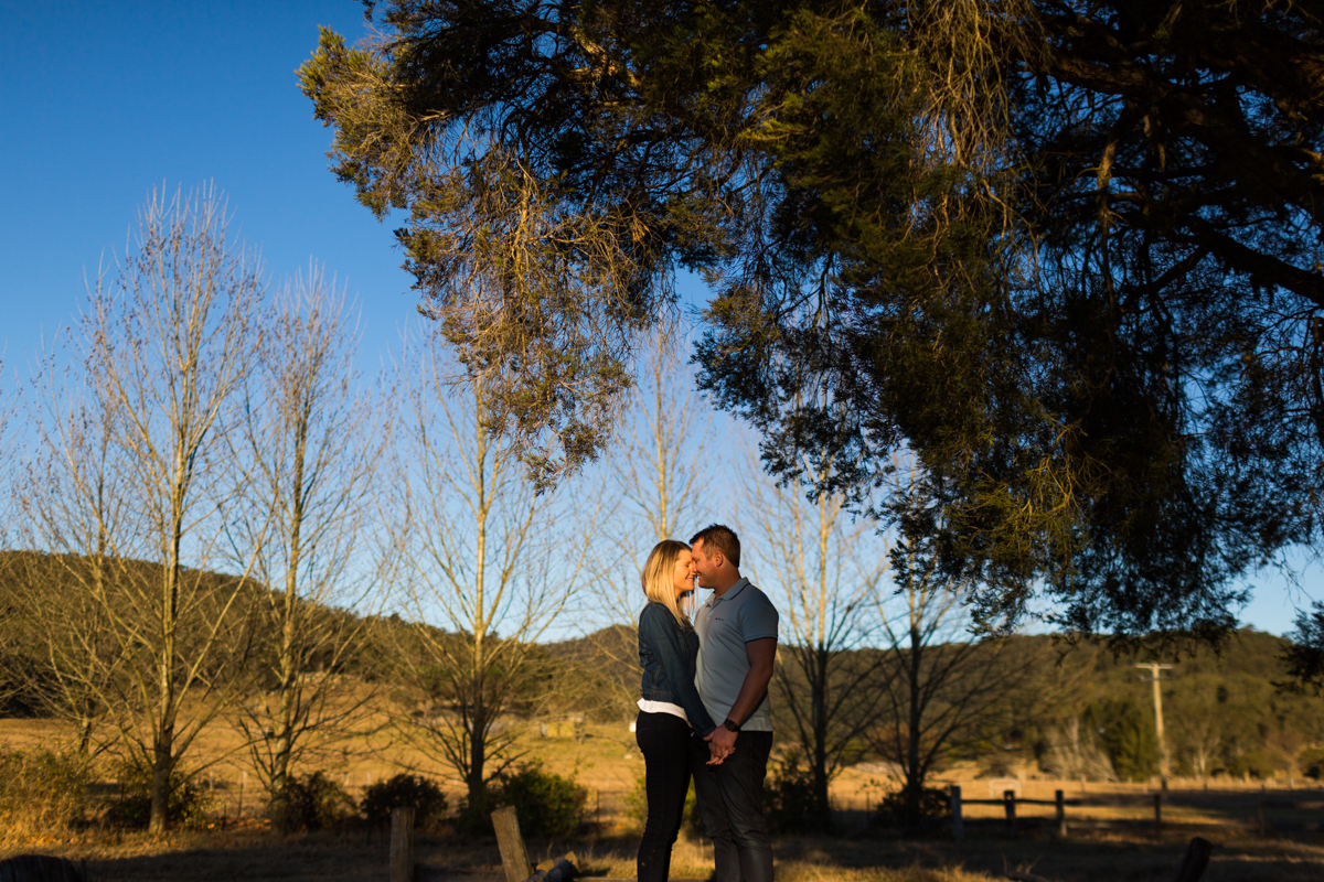 007_warm afternoon sun at pre wedding shoot in wollombi