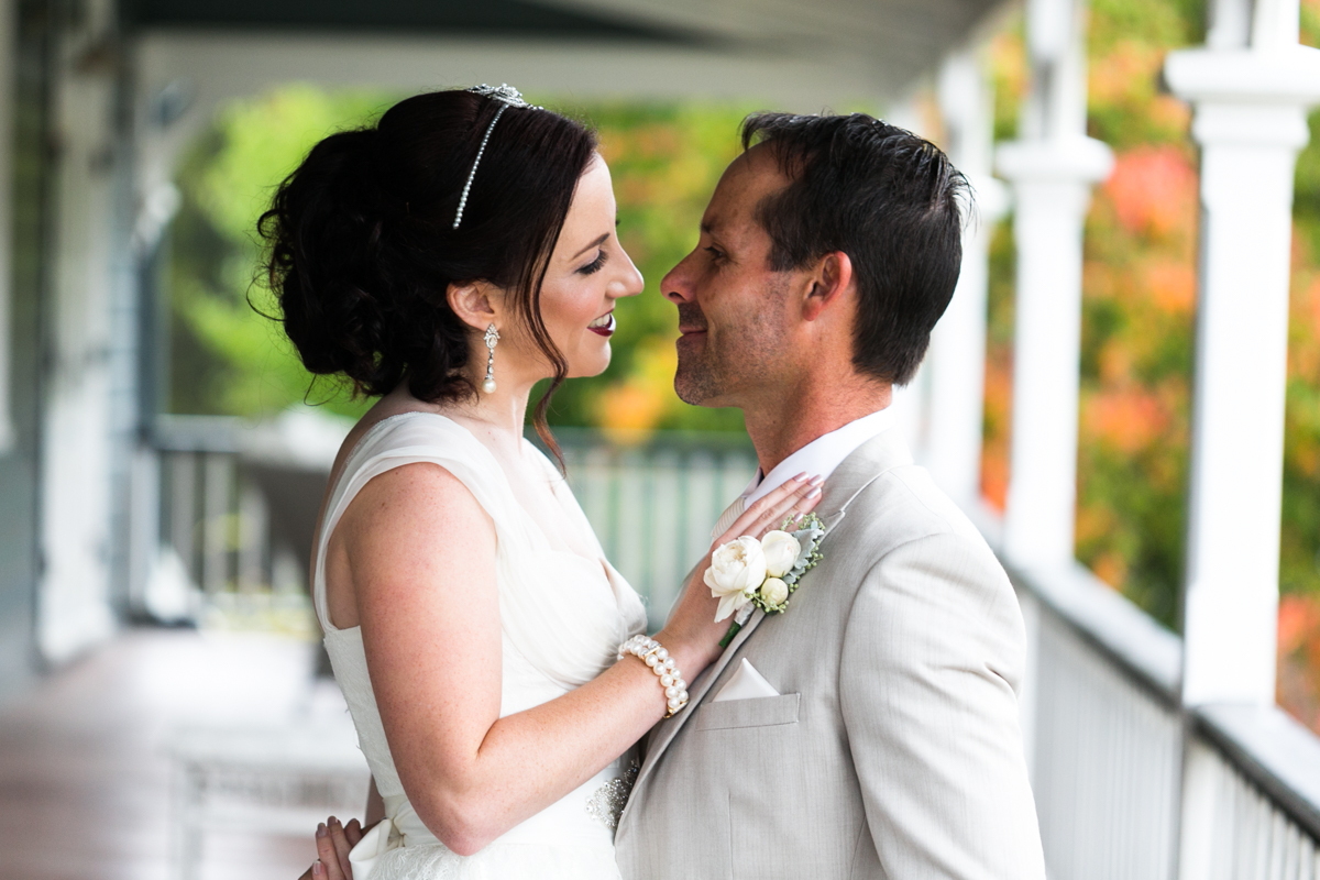 05_hunter valley wedding photographer captures candid moment between bride and groom at peppers convent