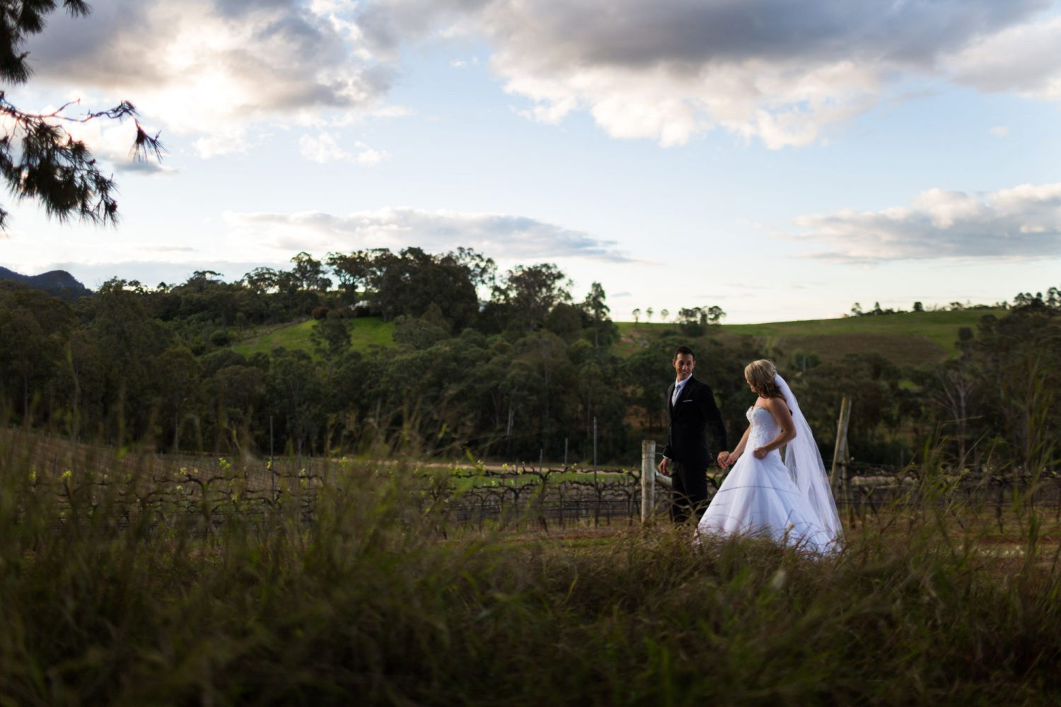 16_newly-weds-captured-candidly-in-hunter-valley