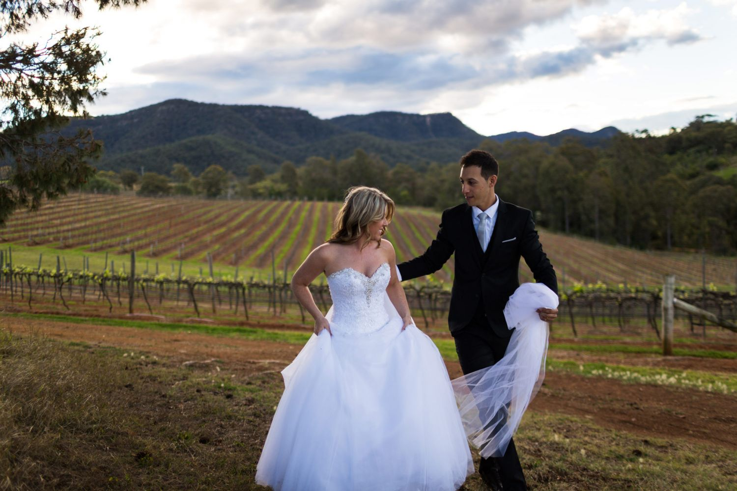 17_candid-wedding-photography-at-lindemans-hunter-valley