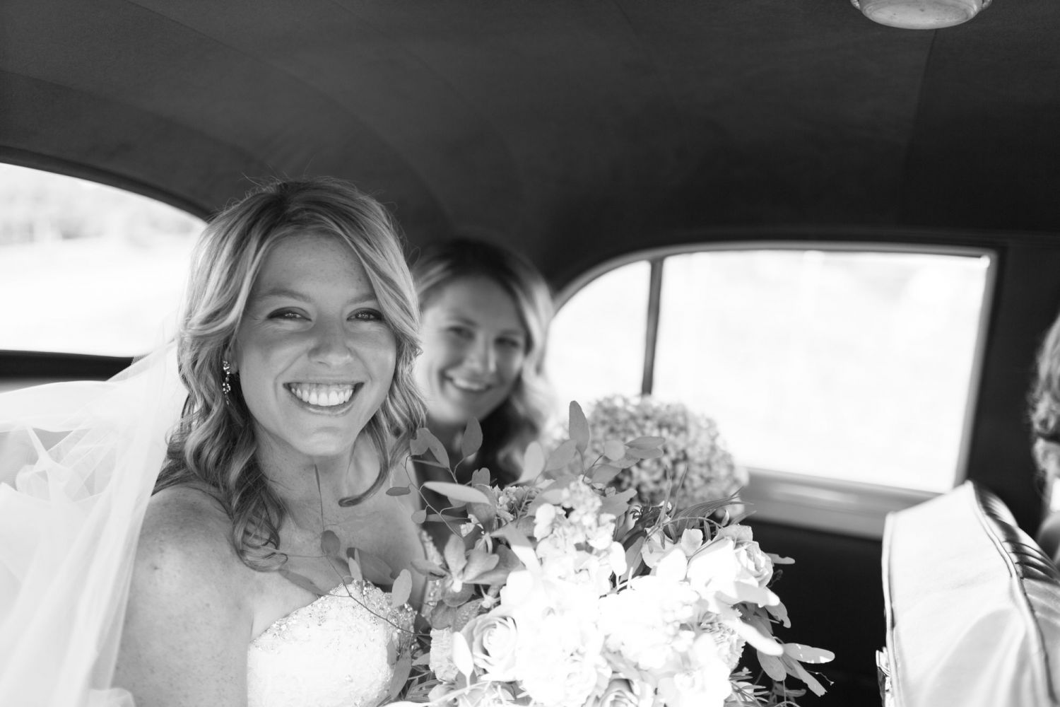 2_beautiful-bride-captured-by-awesome-wedding-photographer