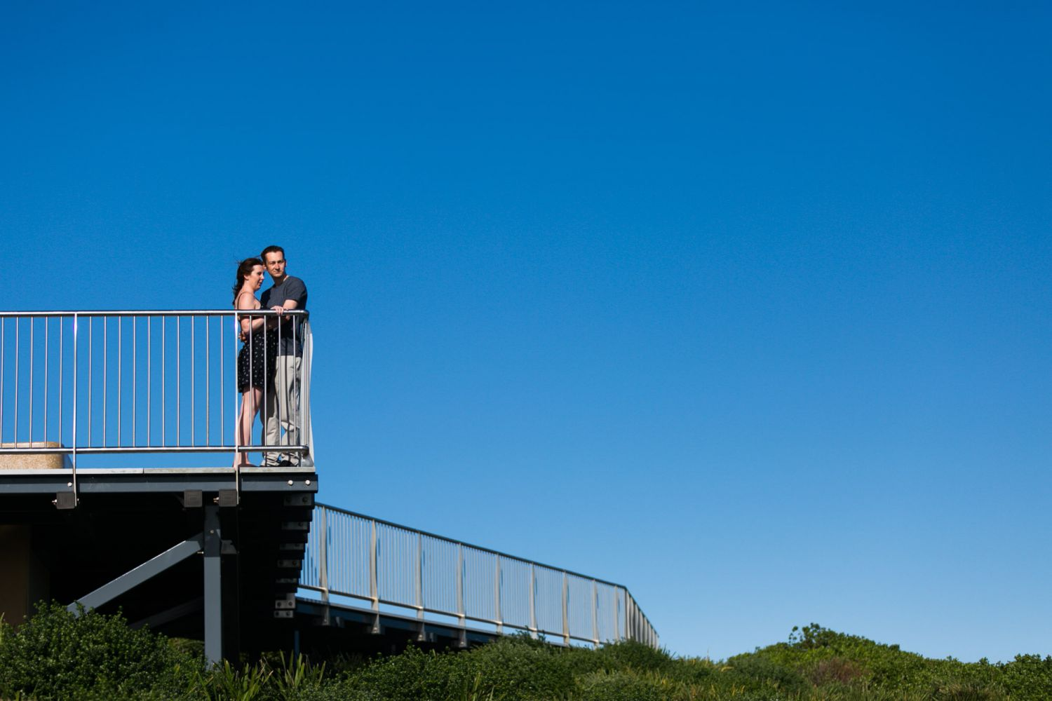 6_newcastle-prewedding-photography-at-anzac-walk