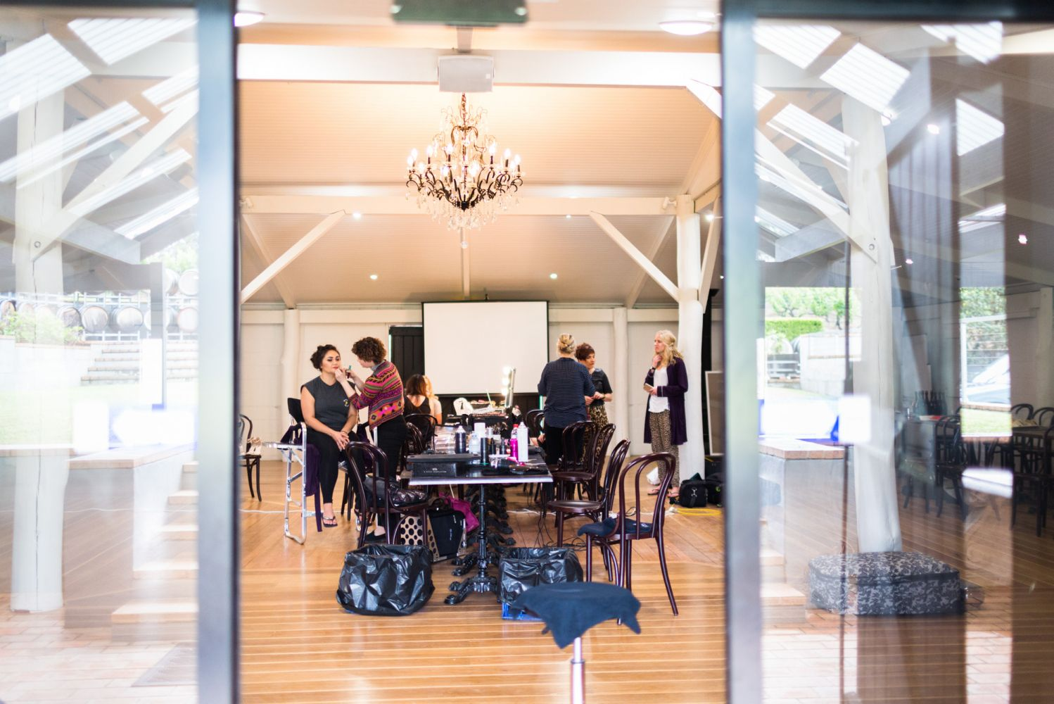 2_bride-and-bridesmaids-getting-ready-at-wandin-valley-estate-2