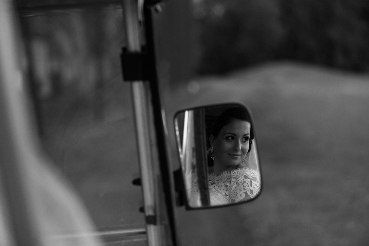 41_reflection of beautiful bride in hunter valey